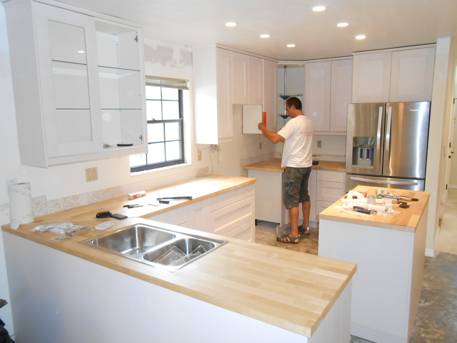 From shabby to chic kitchen remodels on a budget for Kitchen remodels on a budget photos