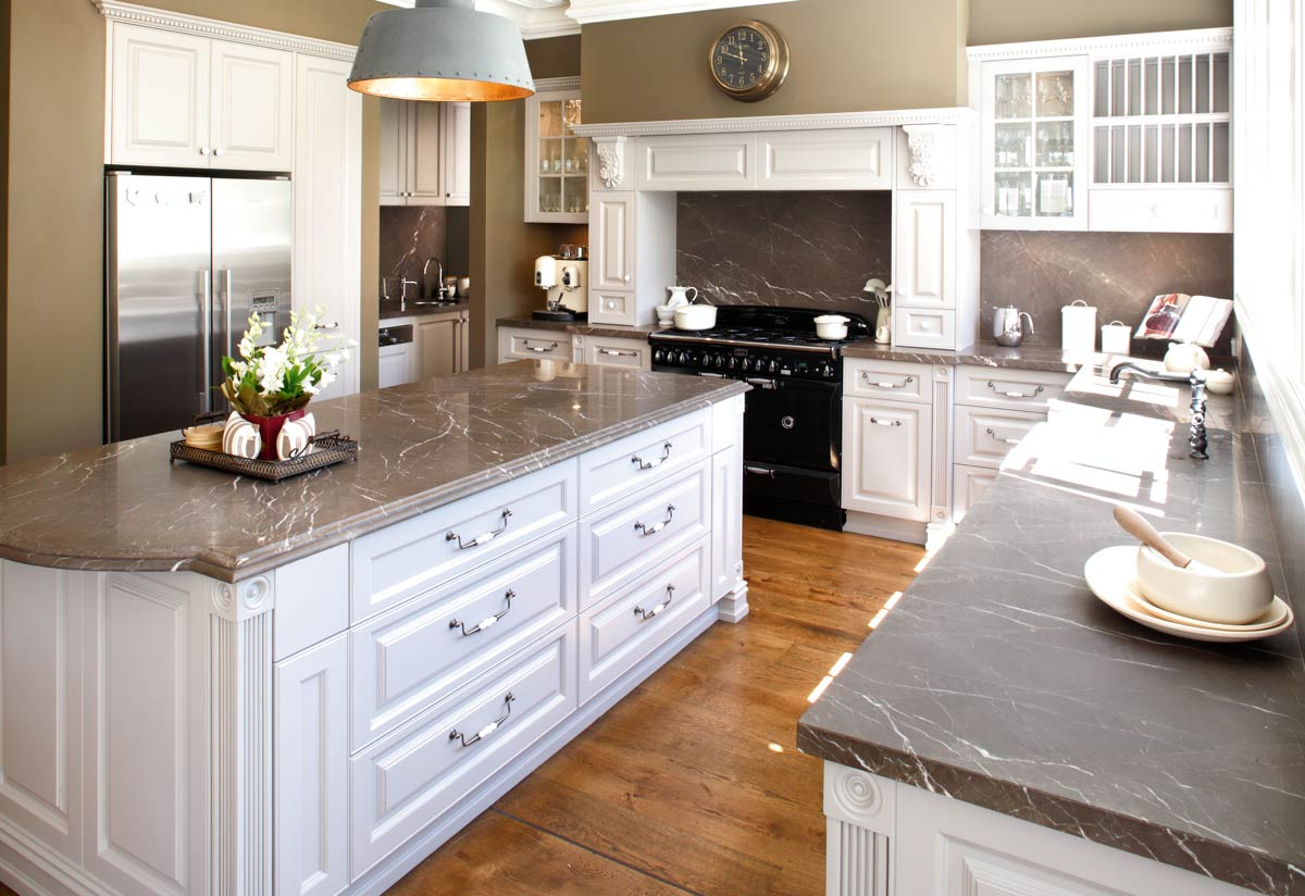 Combining French Provincial Style With Modern Elements