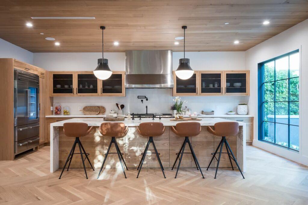 Aesthetically pleasing kitchen pendant lights